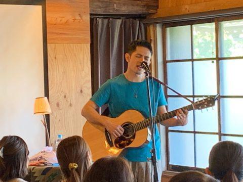 佐藤嘉風さんライブ「無花果畑、初夏の頃」、大盛況にて第1幕を終えました!